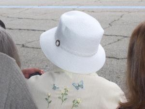 hat.2